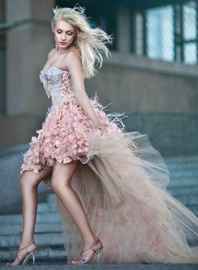 Свадебное платье со шлейфом - короткие и пышные, съемный